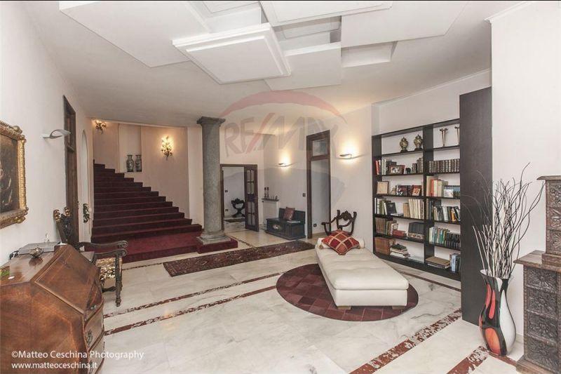 offerta appartamento in villa ristrutturato - occasione appartamento stile liberty d'epoca