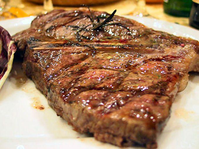 offerta bistecca di scottona alla brace camaiore-promozione bistecca di scottona brace camaiore