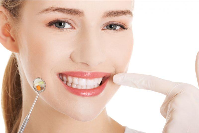 Offerta impianti dentali con protesi - Promozione otturazione dentale Castelfranco Emilia