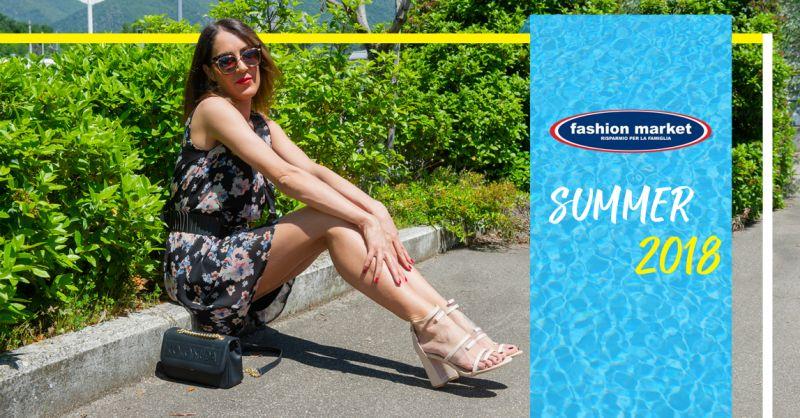 offerta capi alla moda donna e uomo - occasione Fashion Market collezione abbigliamento estate