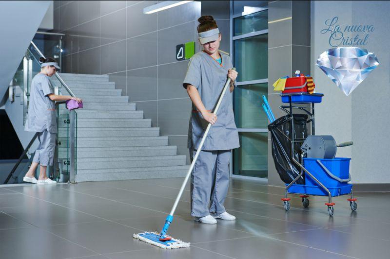 LA NUOVA CRISTAL offerta programmi di pulizia personalizzati - promozione pulizie periodiche