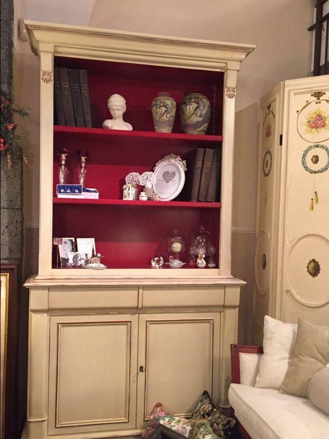 Libreria in legno '800 francese colore avorio in super offerta da Casa Antica Arredamenti